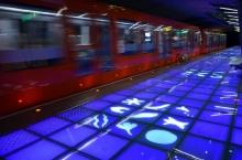 Plancher de verre station de métro de Valmy ©Vurpas Architectes Associés